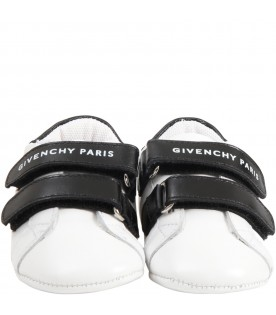 White shoes for babykids with logo
