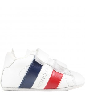 White sneaker for babykids with logo