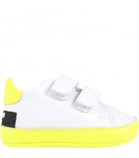 White sneakers for babykids with logo