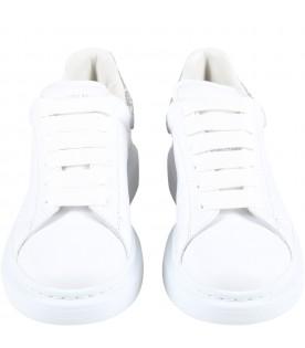 White sneakers for girl with logo