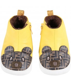 Yellow boots for baby kids wih bear