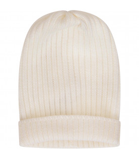 White hat with turn-up
