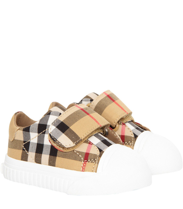 BURBERRY KIDS Beige trainers with white logo
