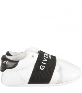 White babykids shoes with logo