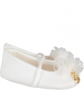 Ivory babygirl flat shoes with metallic logo and flower