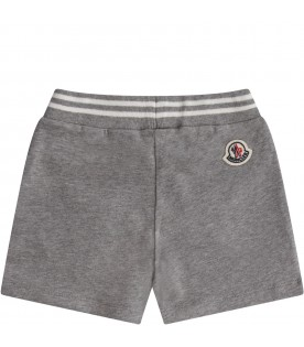 Short grigio per neonati con iconico patch