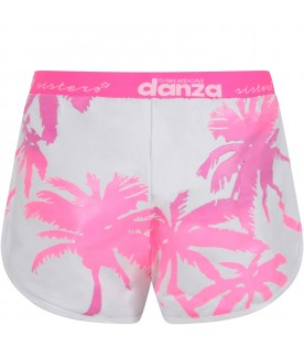 White girl short with fuchsia and purple palms