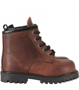Brown boy ankle boots with logo