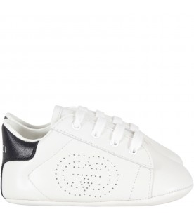 White sneakers for babykid with logo